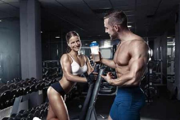 Poţi agăţa în sala de fitness?