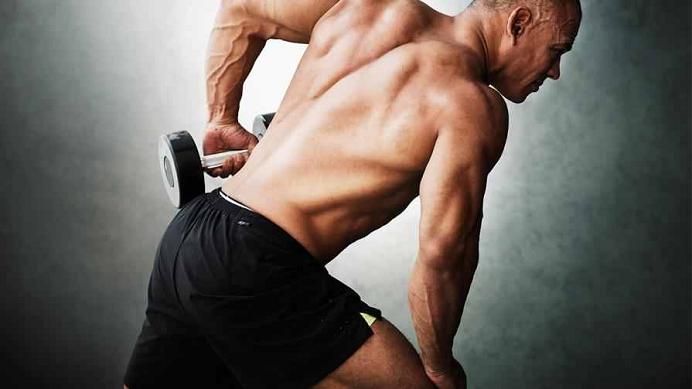 Cele mai bune exerciții pentru triceps pe care le poți face acasă