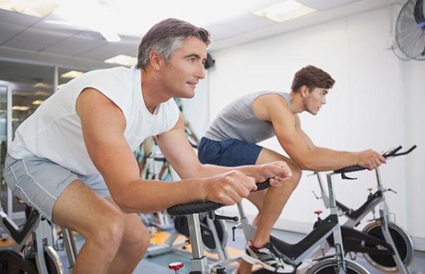 Exercițiu pe biciclete de fitness bazat pe RPE