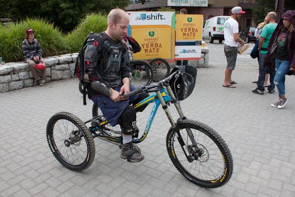 Ieși la pedalat cu triciclete pentru adulți