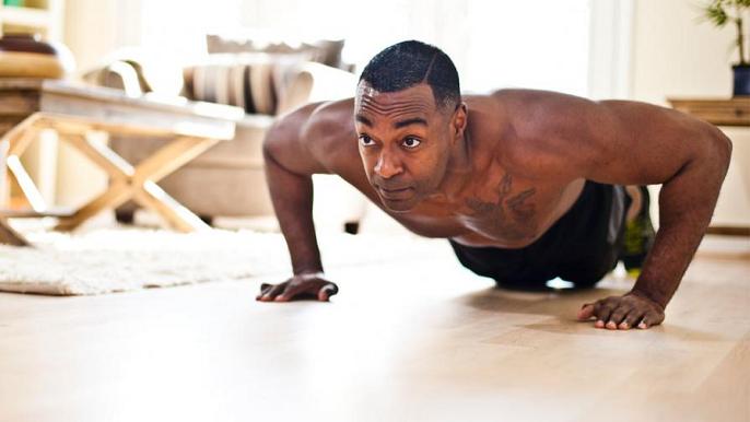 Cinci exerciții ce îți vor transforma corpul în patru săptămâni
