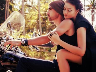 7 trucuri nonverbale pentru a avea succes la femei