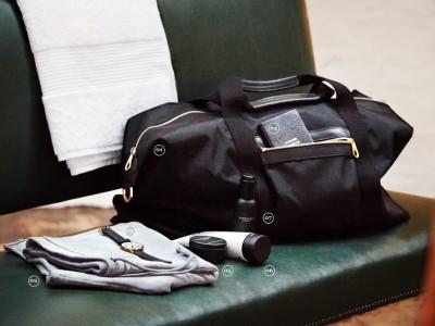 4 lucruri care să nu îți lipsească din geanta pentru sală