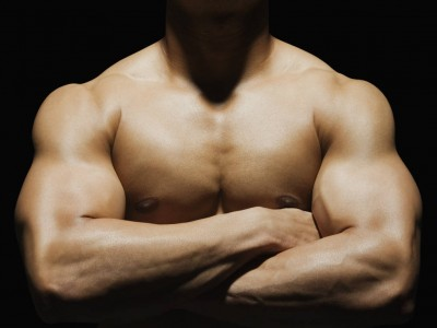 Patru mișcări compuse pentru biceps și triceps