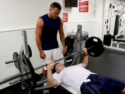 De ce este bine să ai un partener de antrenament?