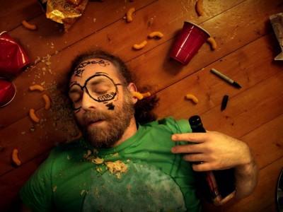 8 moduri de a scăpa de mahmureală. Ce funcționează și ce nu?