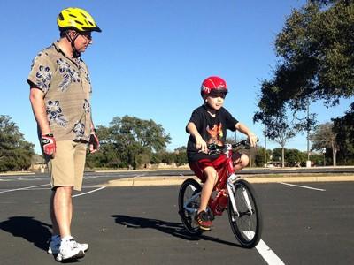 Tată, educă-mă pe bicicletă