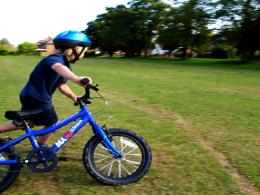 Distracție în siguranță pe bicicletă