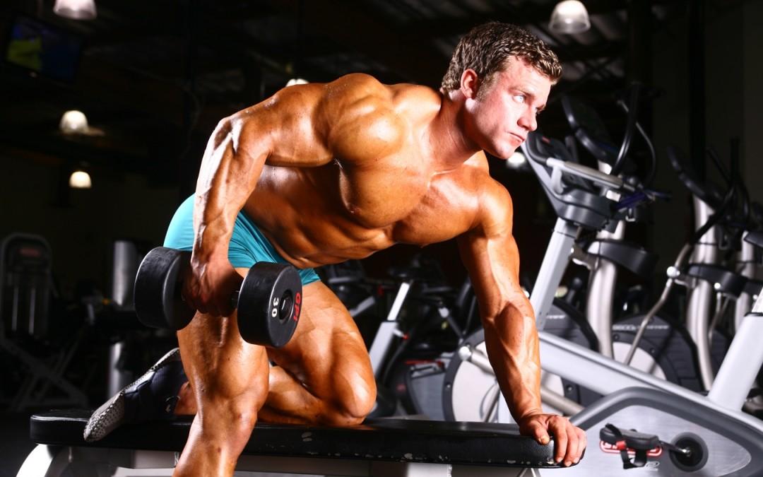 Extensii pentru triceps cu gantera din aplecat