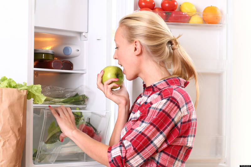 11 alimente de bază care nu trebuie să lipsească din frigiderul tău