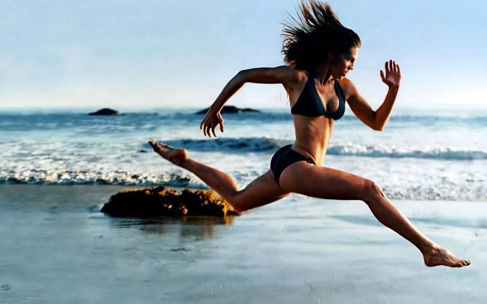 6 semne că îți suprasoliciți corpul când alergi