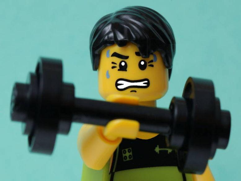4 greșeli de începător la antrenamentele cu greutăți