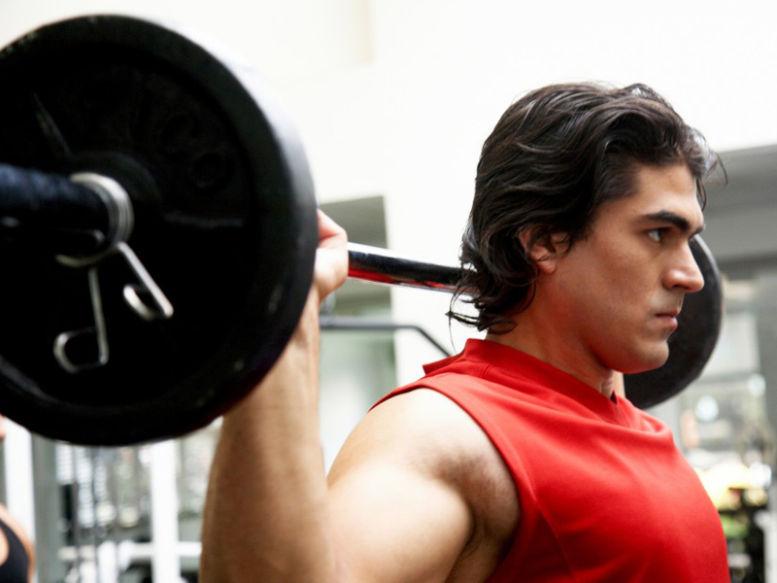 6 greșeli la antrenamentul cu greutăți ce trebuie evitate
