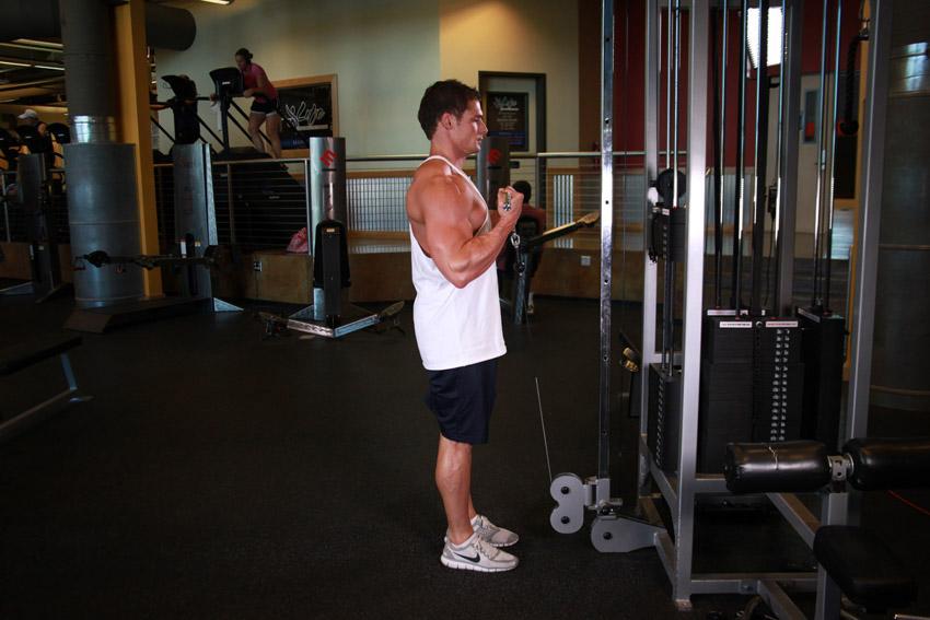Flexii la cablu pentru biceps