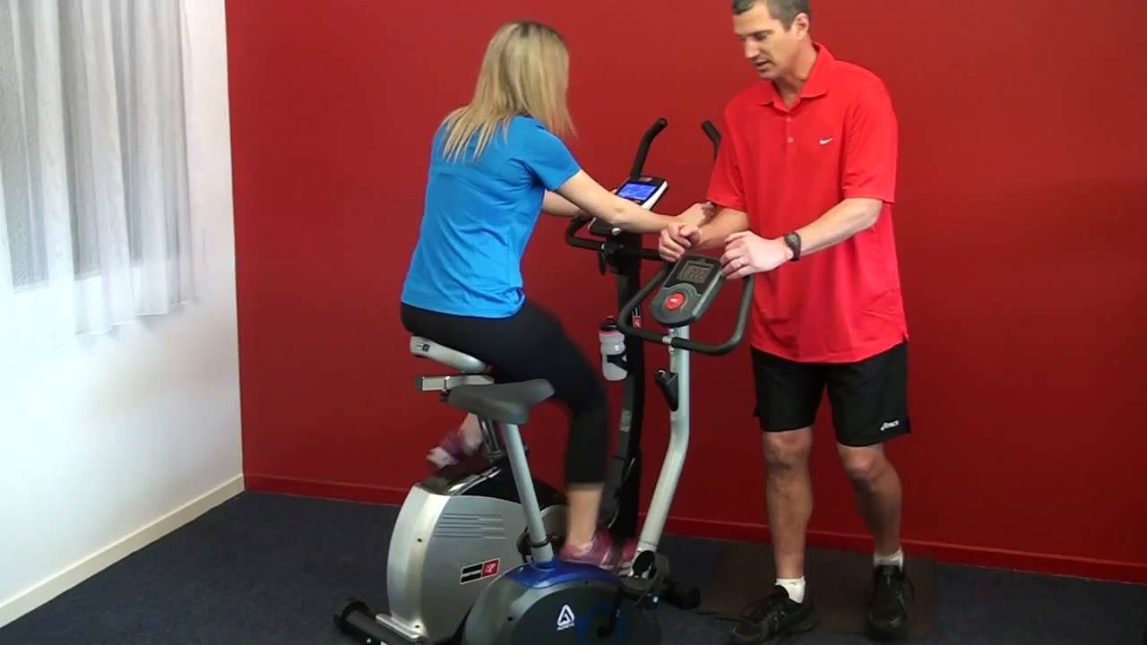 3 antrenamente pentru bicicleta de fitness