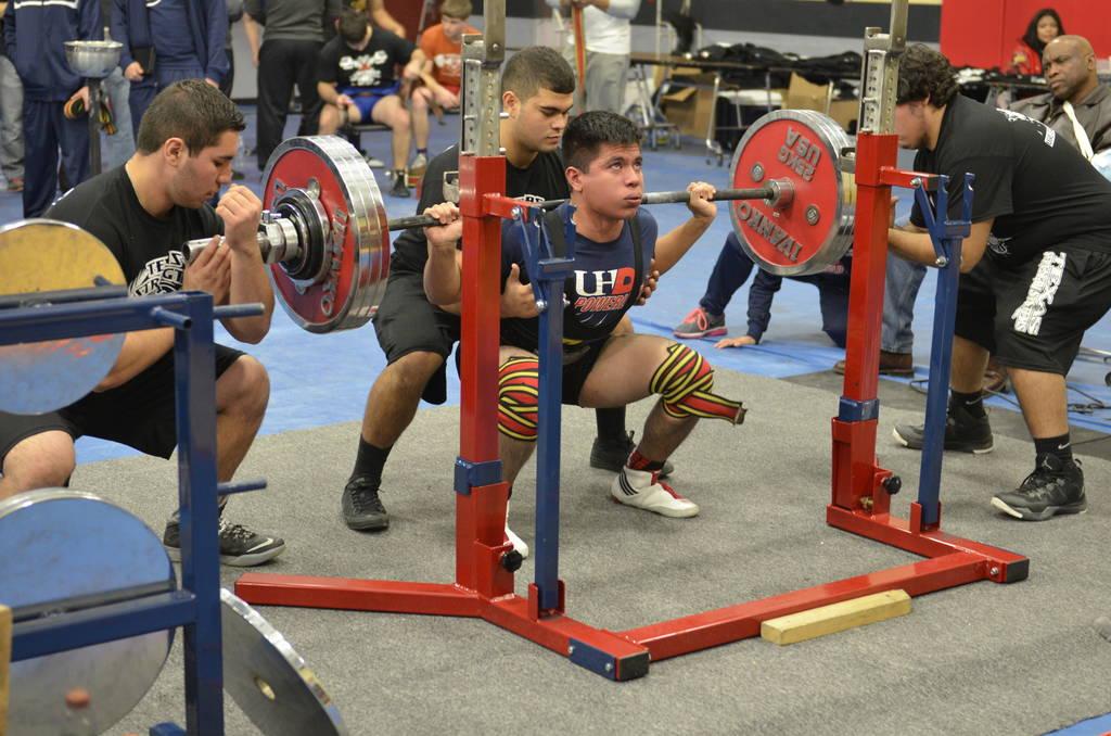 Cum participi la prima ta competiție de powerlifting