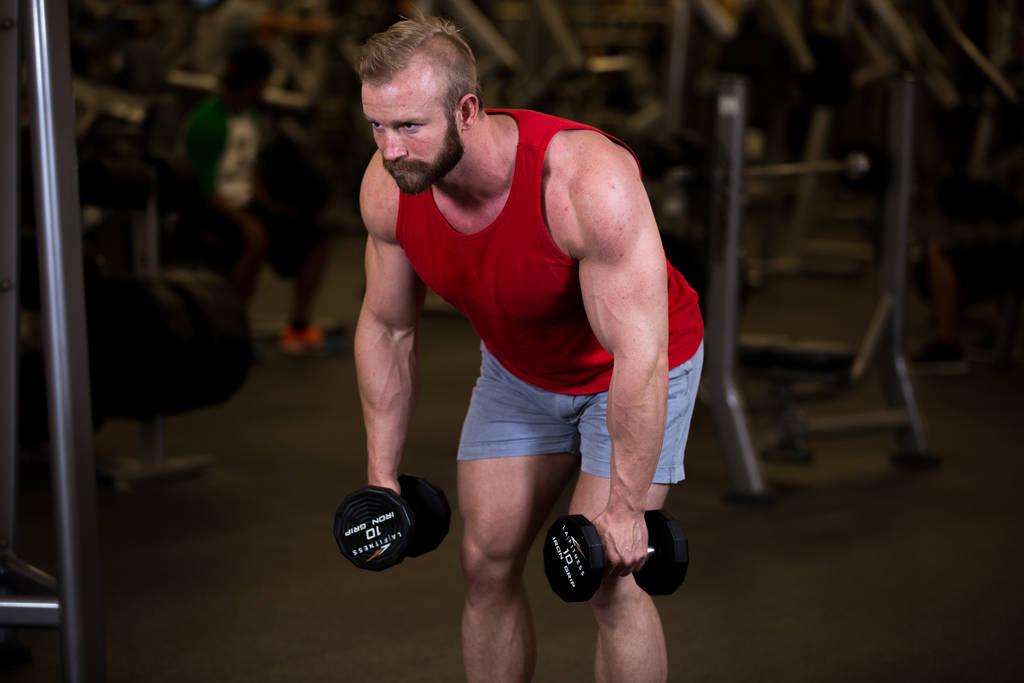 4 mișcări compuse pentru biceps și triceps - ramat hammer